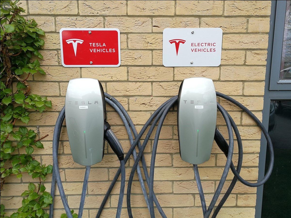 Tesla destination chargers - one for teslas and one for other EVs